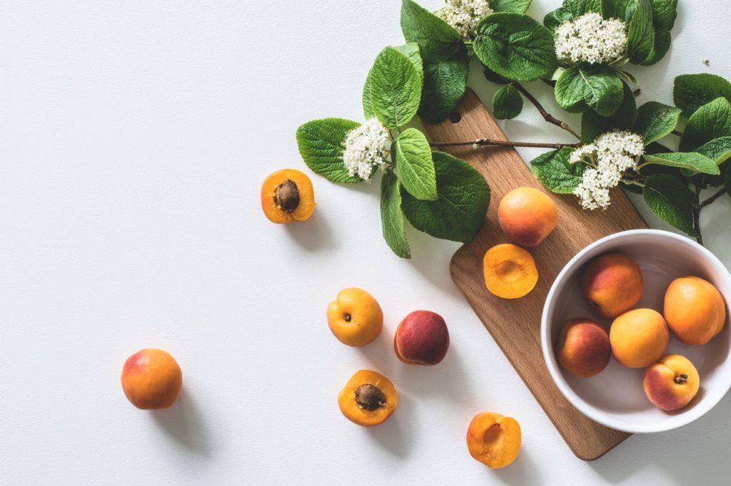 Καλοκαίρι με πολύ φρούτο κ με σύμμαχο το ZeoliteClean: Τα 6 θαυματουργά οφέλη του βερίκοκου